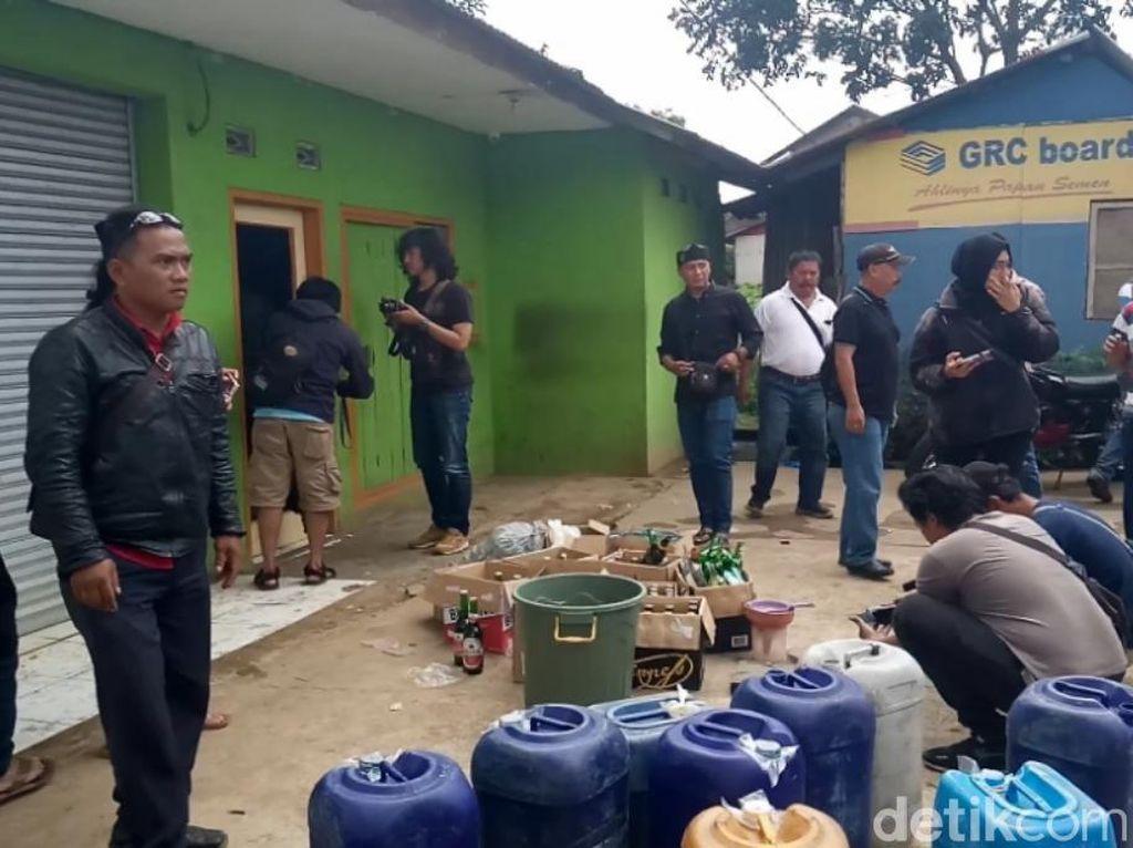 Sejumlah Warga Dikabarkan Tewas, Toko Miras di Cicalengka Digeruduk