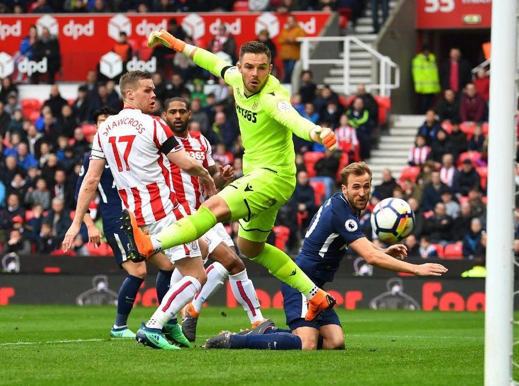 Gol Kedua Spurs ke Gawang Stoke: Punya Eriksen atau Kane?