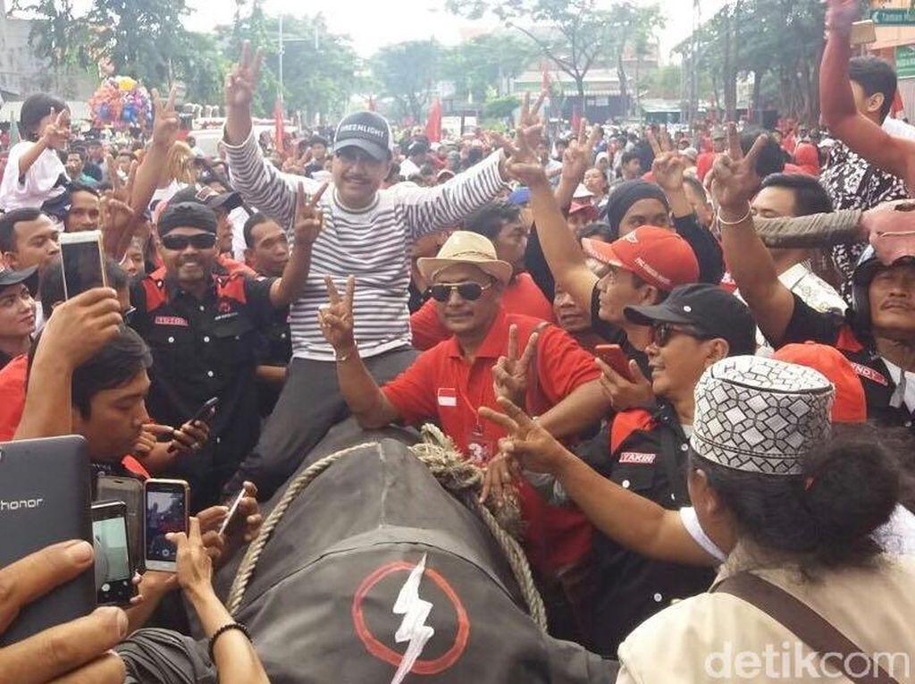 Lepas Jalan Sehat PDIP, Gus Ipul Perkuat Dukungan di Surabaya