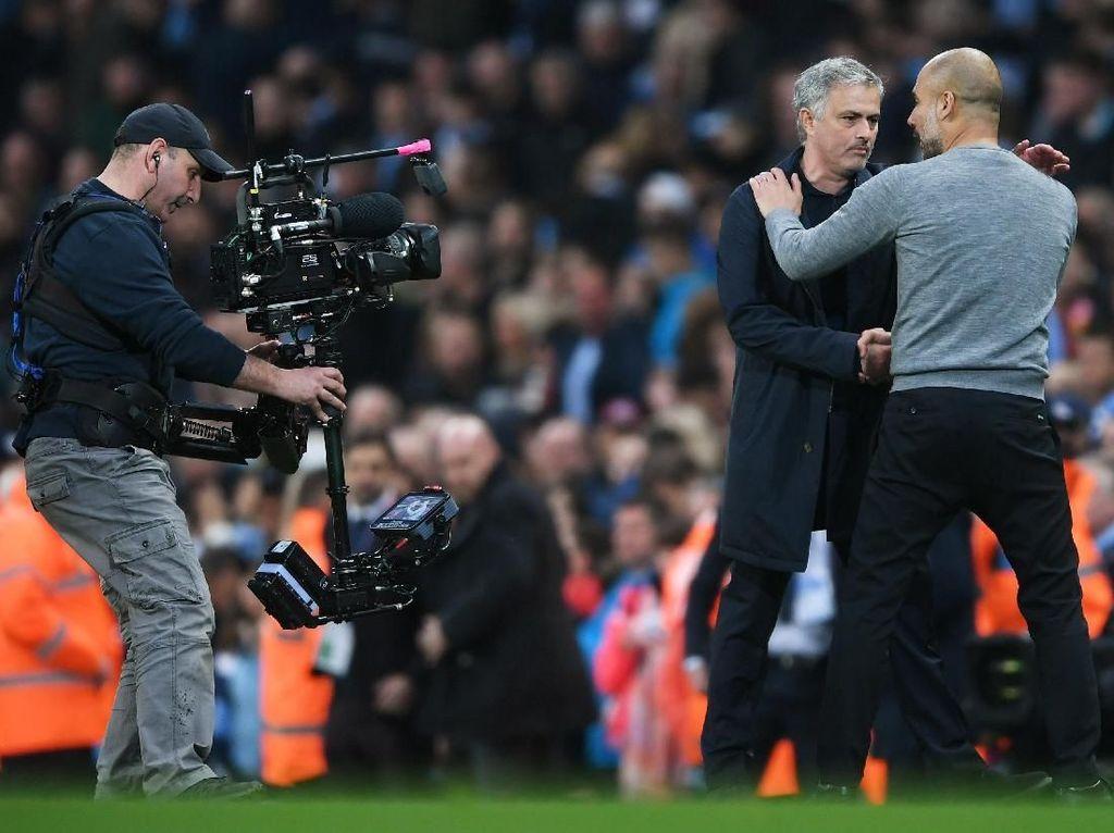 Apa yang Dikatakan Mourinho pada Guardiola Usai Laga?