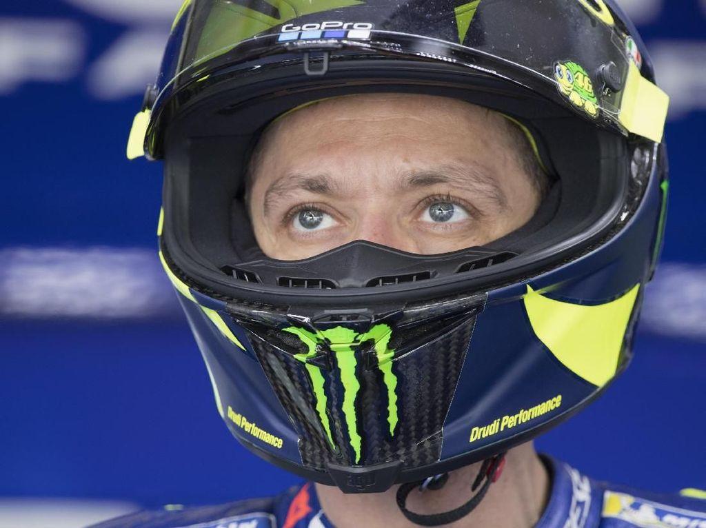 Rossi Akui Kesulitan dengan Kondisi Lintasan, Harapkan Balapan Kering