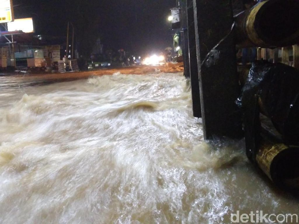 Garut Terendam Banjir, Lalu Lintas ke Bandung Dialihkan