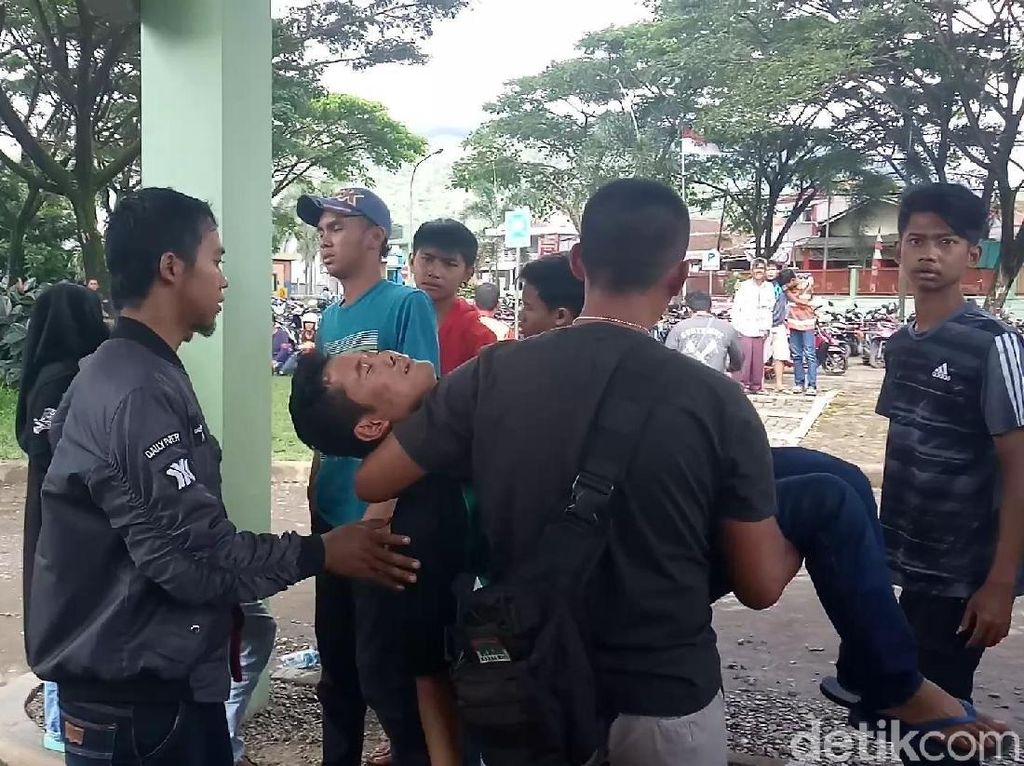 Keluarga Korban ke-11 yang Tewas Miras Oplosan Histeris di RS