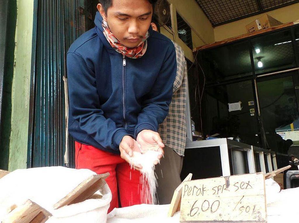 Darmin: Operasi Pasar Satu-satunya Cara Turunkan Harga Beras