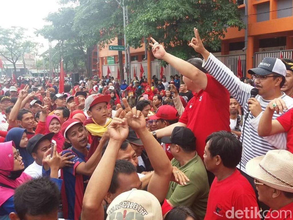 Ribuan Warga Surabaya Ikuti Jalan Sehat Puncak HUT PDIP