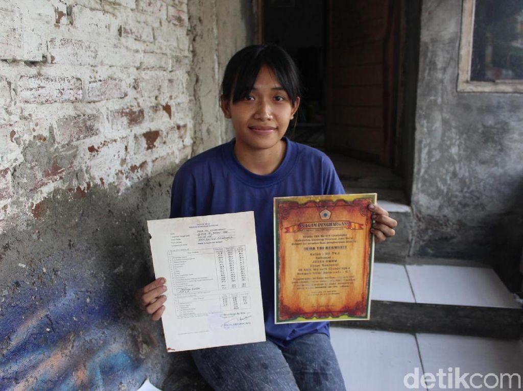 Belajar dari Irma, Gadis Geulis Penambal Ban yang Juara Sekolah