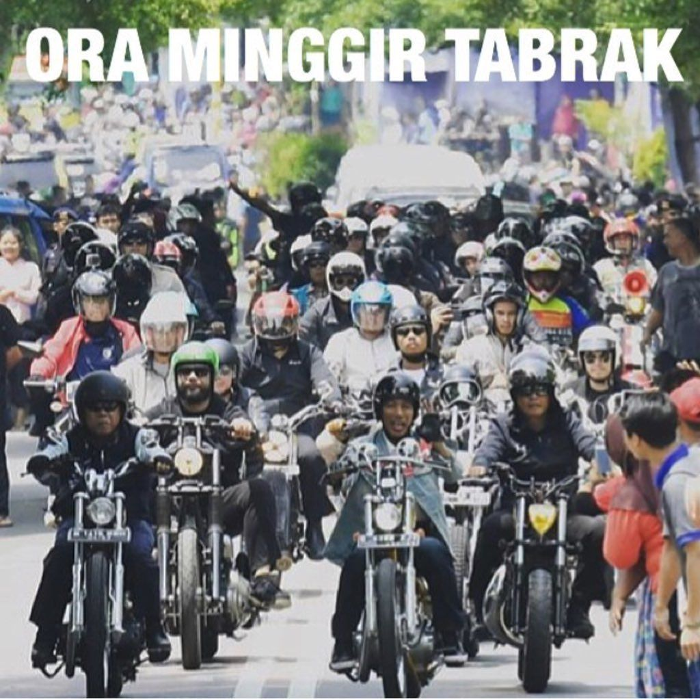 Bagaimana mau diajak balapan, Jokowi pasukannya banyak. (Foto: Twitter @ulinyusron)