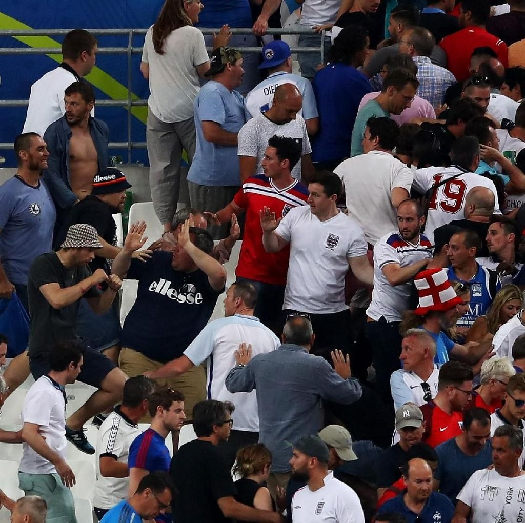 Ancaman Ultras Rusia untuk Hooligan Inggris