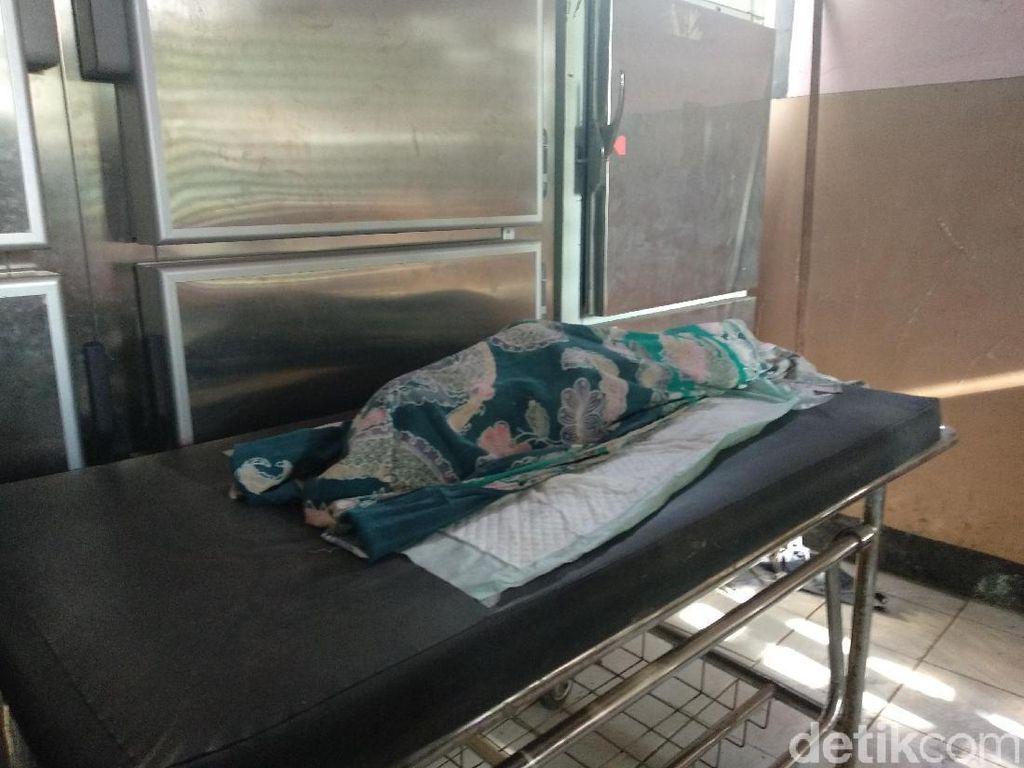 Anak yang Terbakar Bersama Ibunya di Sawah Meninggal