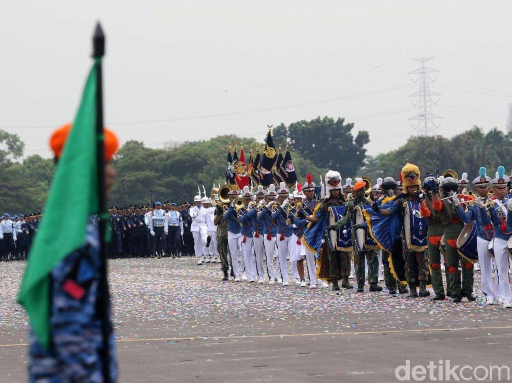 Parade Pasukan dan Alutsista Tutup Kemeriahan HUT TNI AU