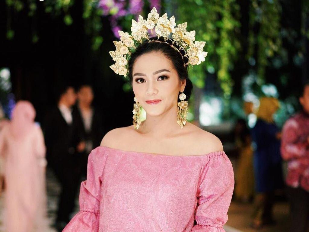 Pesona Milka Anisya Norasiya, Dokter Cantik Mantu Ketua MPR