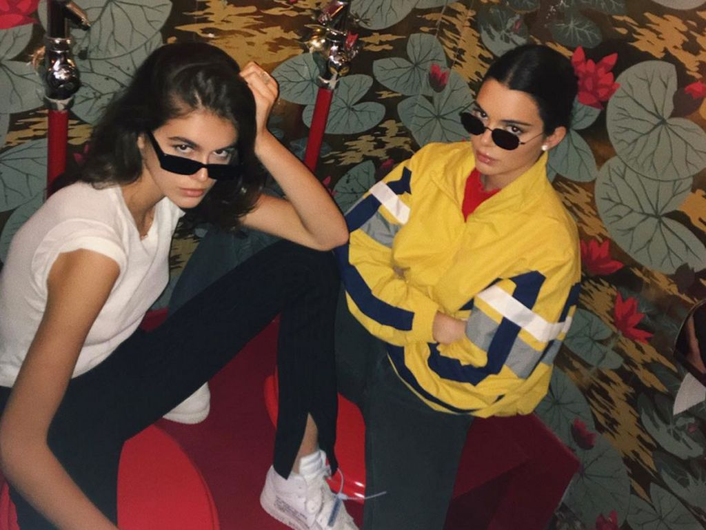 Kacamata Ala Kaia Gerber dan Kendall Jenner Ini Akan Populer di 2018