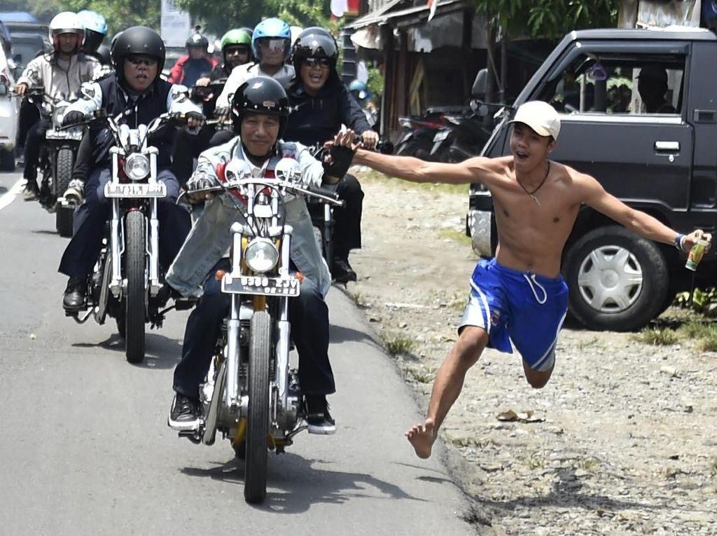 Reaksi Keluarga Lihat Ulah Bona Telanjang Dada Colek Jokowi