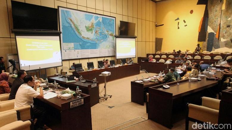Komisi II Masih Beda Pendapat soal Sumbangan Dana Kampanye