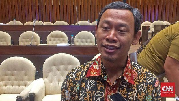 Komisioner KPU Pramono Ubaid Tanthowi.