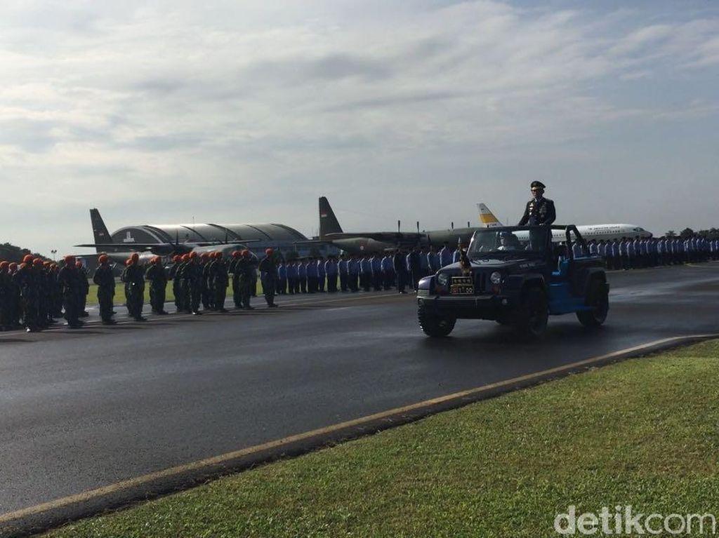 Panglima TNI Hadiri Upacara HUT ke-72 TNI AU di Lanud Halim