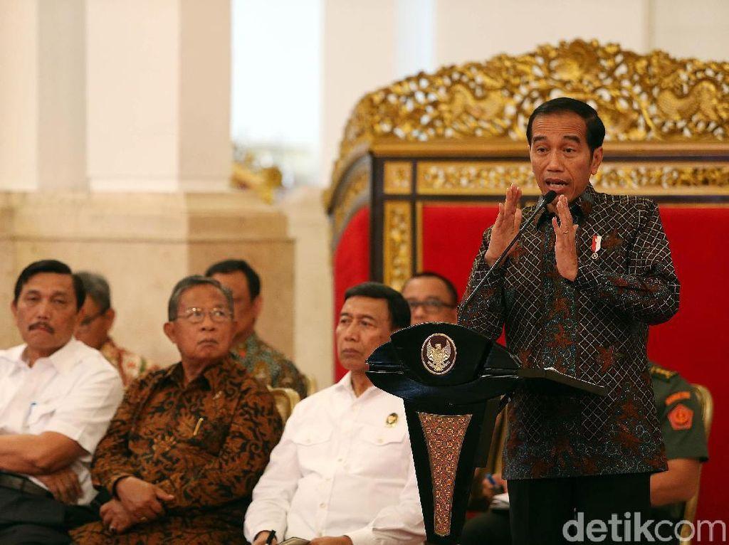 Menakar Kegentingan Reshuffle Kabinet Jokowi