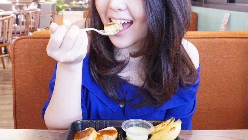Tina Toon hingga Chikita Meidy, Mantan Artis Cilik Bergaya dengan Makanan