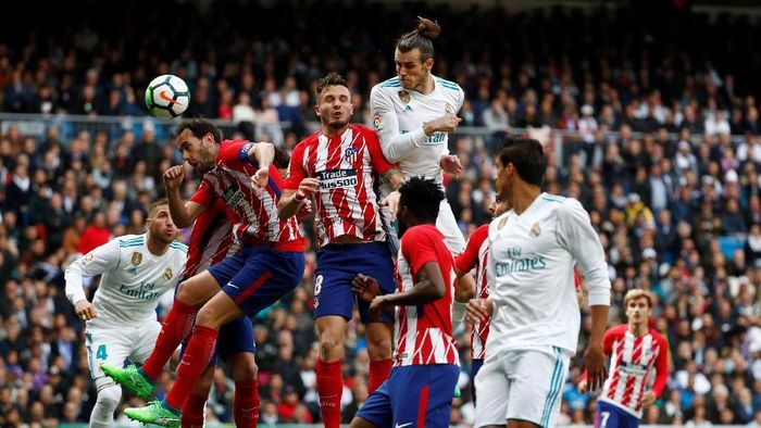 Laga derby Madrid antara Real Madrid melawan Atletico Madrid. (Foto: Sergio Perez/REUTERS)