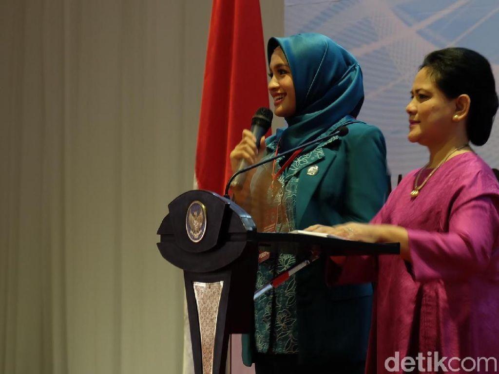 Saat Iriana Tanya Kerja PKK ke Istri Cantik Gubernur Kalteng