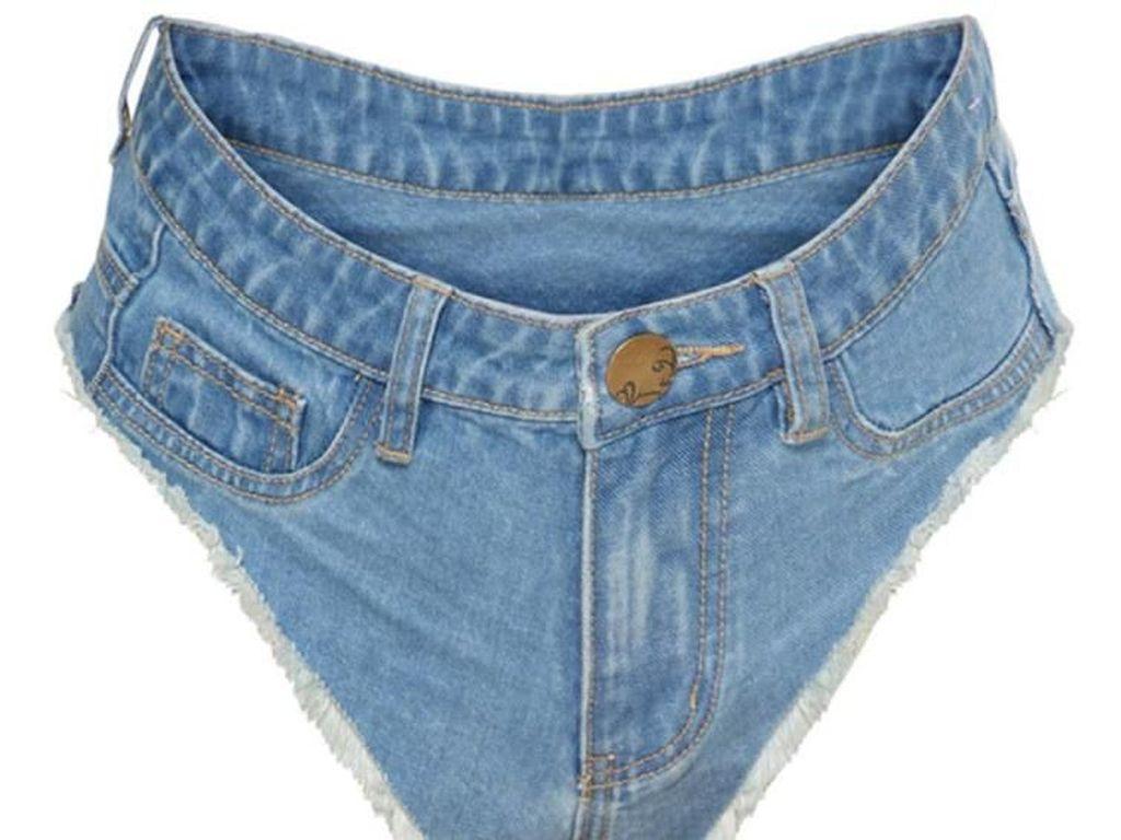 Mengekspos Bokong, Celana Jeans Aneh Ini Berbentuk Underwear