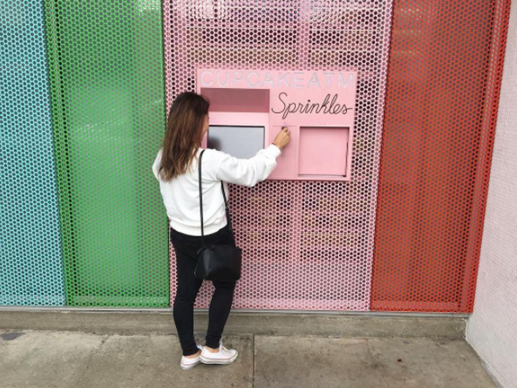 Ini 13 Vending Machine yang Jual Pizza hingga Kaviar