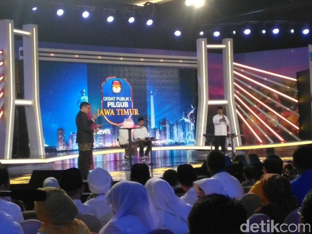 Debat Gus Ipul vs Khofifah Soal Ketimpangan Madrasah Diniyah