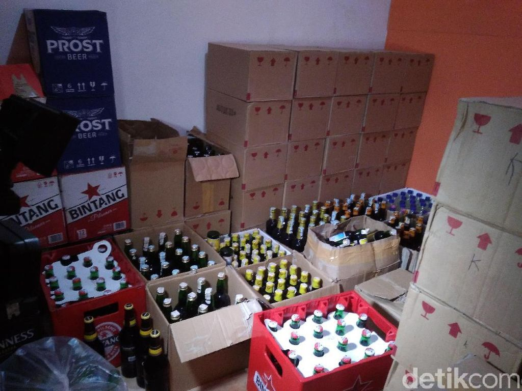 Cegah Korban Tewas, Polisi Garut Sita Ribuan Botol Miras