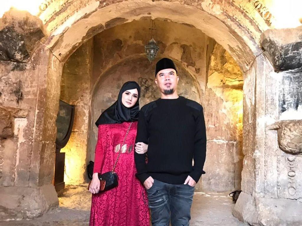 Hari Ayah, Mulan Jameela Kenang Ahmad Dhani Menangis untuk Anak