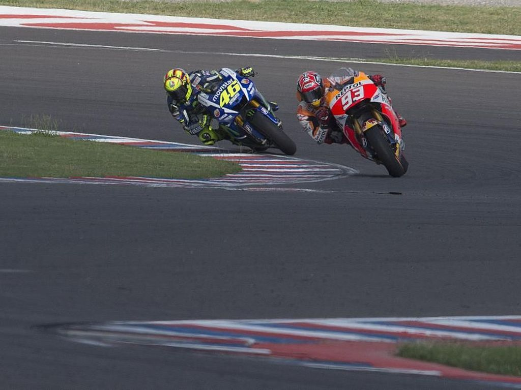 Beda Rossi dan Marquez Saat Mengerem