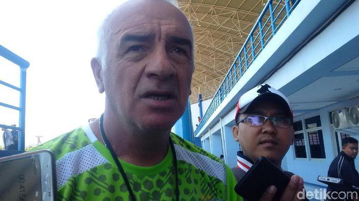 Pelatih Persib Bandung Roberto Carlos Mario Gomez (Mochamad Solehudin/detikSport)
