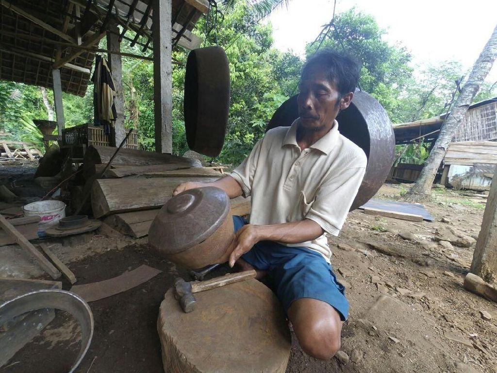 Perajin Gamelan di Jombang Tetap Eksis dengan Bahan Baku Besi Loakan