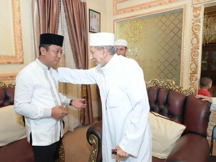 Ketum PPP Jelaskan Alasan Dukung Jokowi di Hadapan Ulama