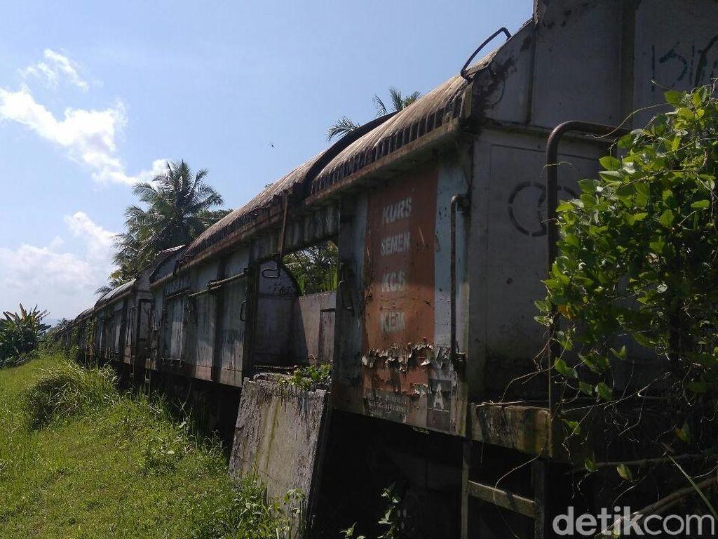 Jadi Tempat Mesum, Gerbong Mangkrak di Purworejo Dikeluhkan Warga