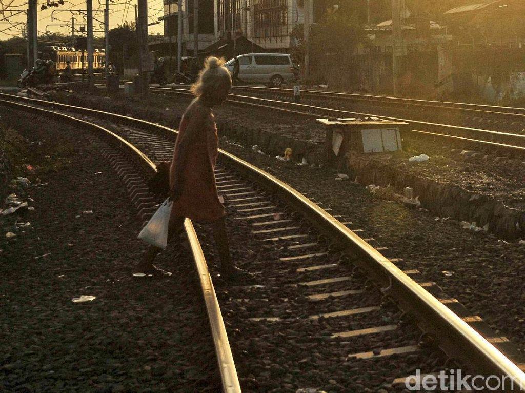 Jalur Kereta Pangandaran dan Kawah Putih Bekas Peninggalan Belanda