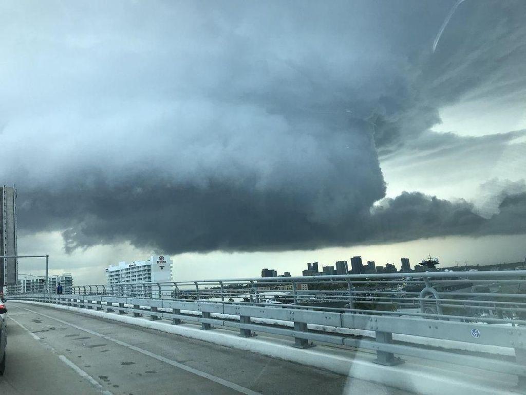 Seramnya Penampakan Tornado di Amerika Serikat