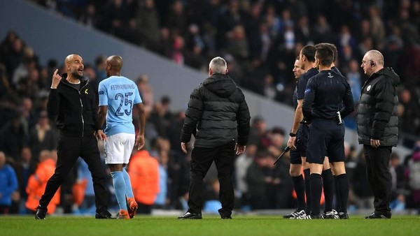 City Tersingkir, Guardiola Diusir ke Bangku Penonton
