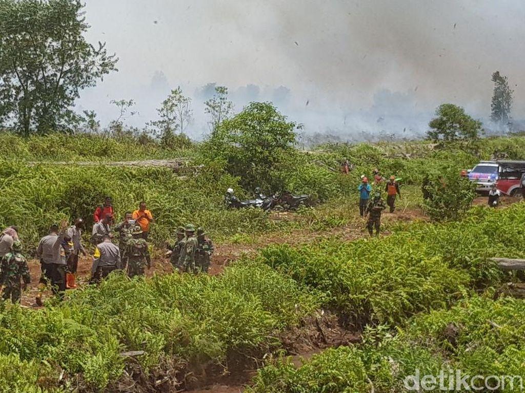 Hutan Terbakar, Izin Terbang 3 Heli BNPB Belum Keluar dari Pemerintah
