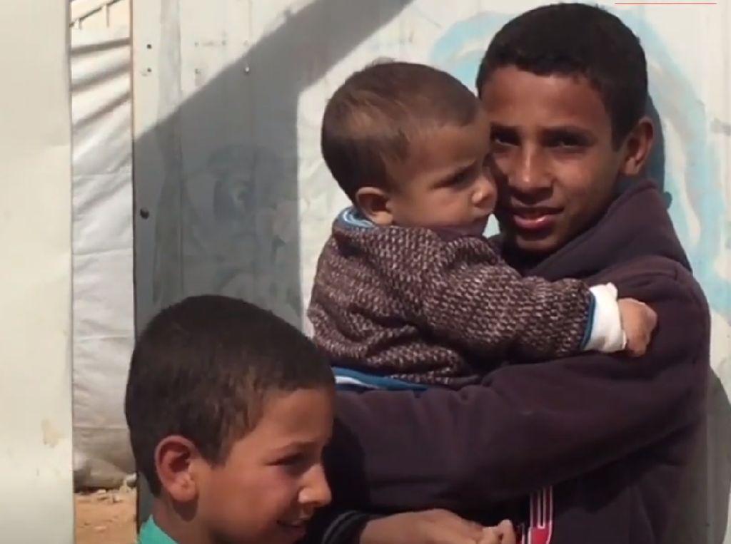 Melihat Kamp Pengungsi Suriah di Yordania