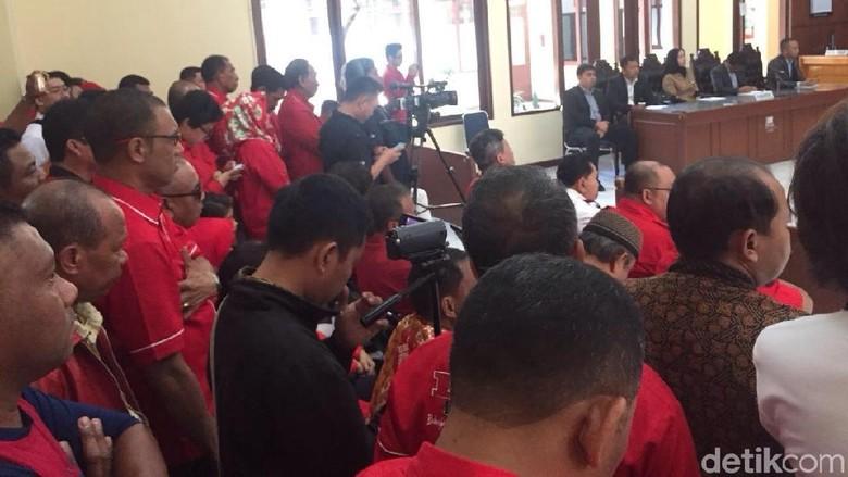 PTUN Loloskan PKPI Ikut Pemilu, Kader Sujud Syukur