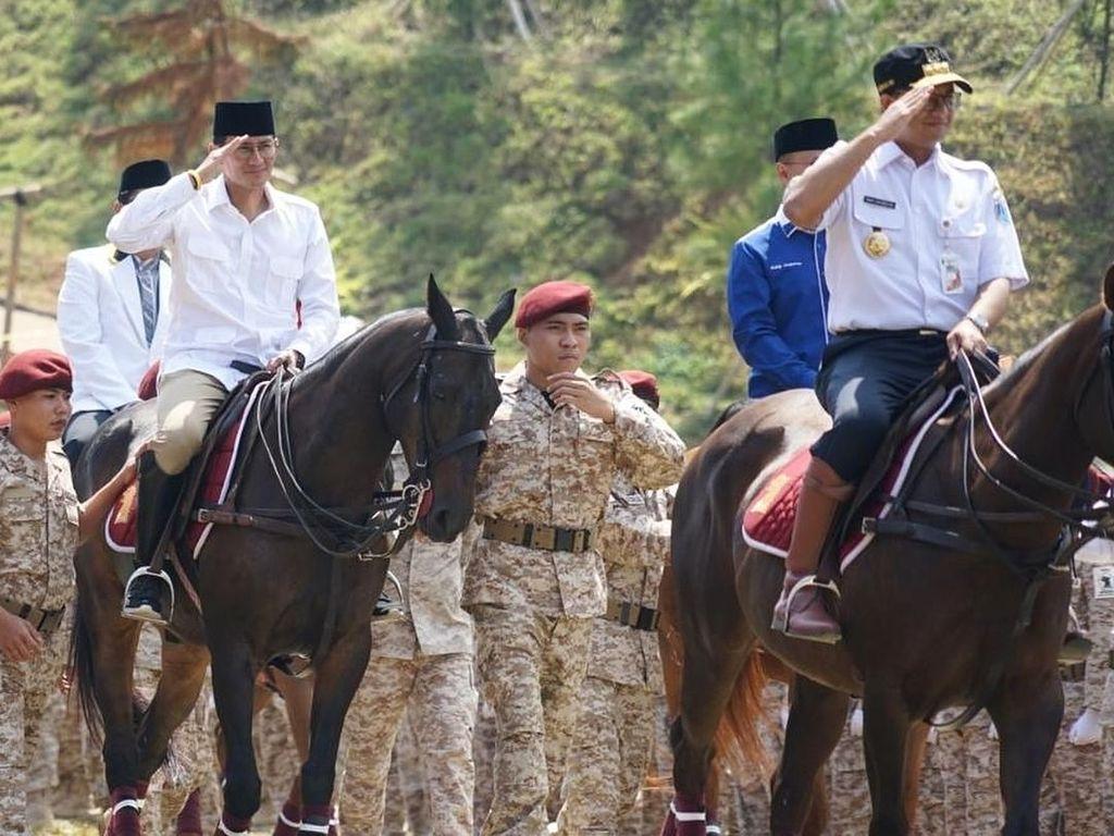 Prabowo Pinjami Anies Sepatu Berkuda di Rakornas Gerindra