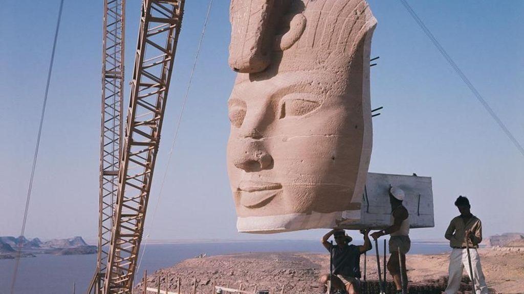 Foto: Saat Mesir Memindahkan Kuil Kunonya