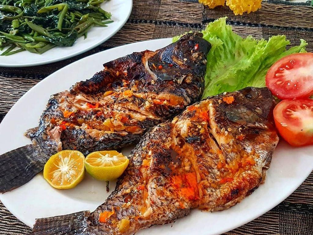 Bikin Lapar!10 Sajian Ikan Bakar dan Sambal, Menu Makan Siang Netizen