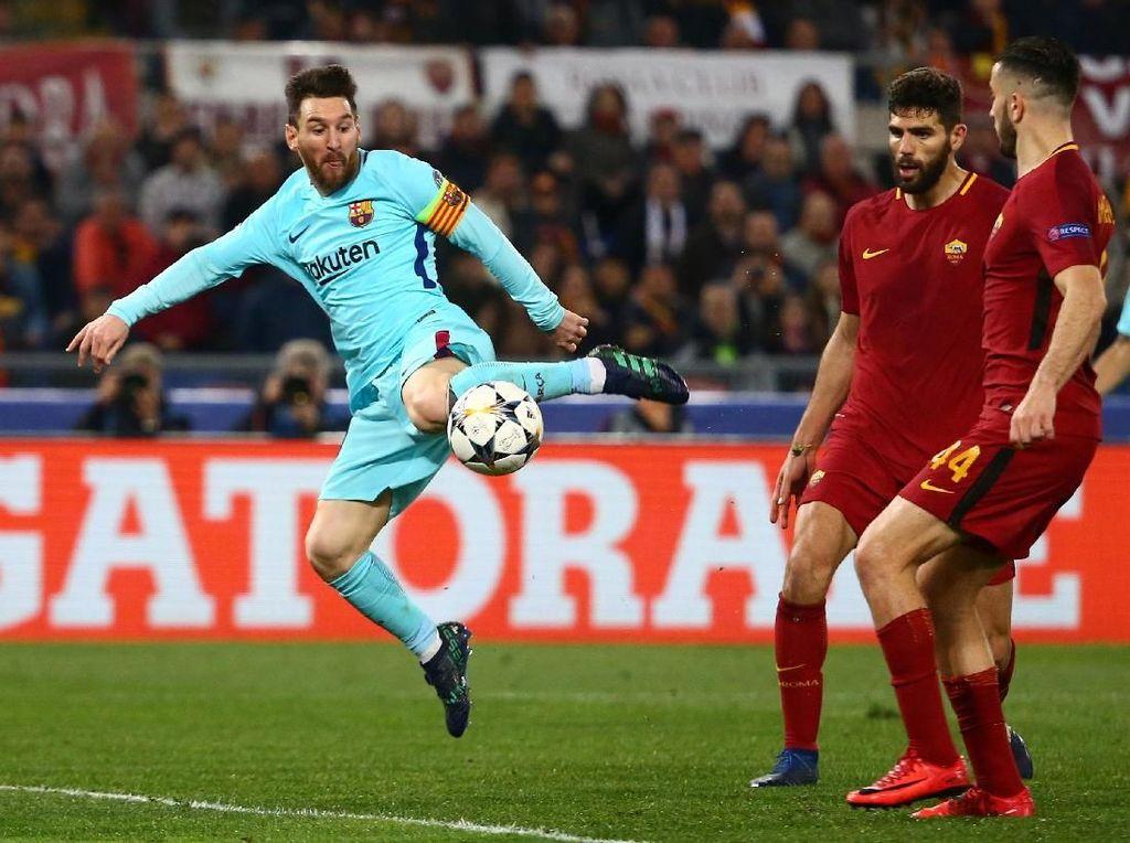 Foto: Lionel Messi Tak Berdaya di Kandang Serigala Roma