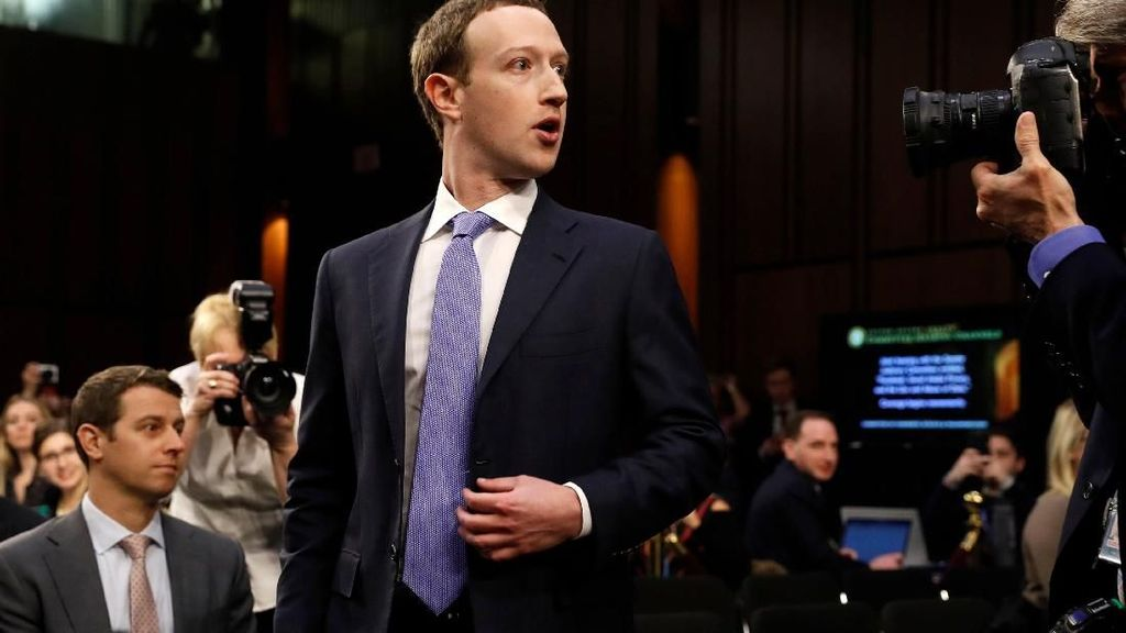 Aksi Zuckerberg Duel dengan DPR AS