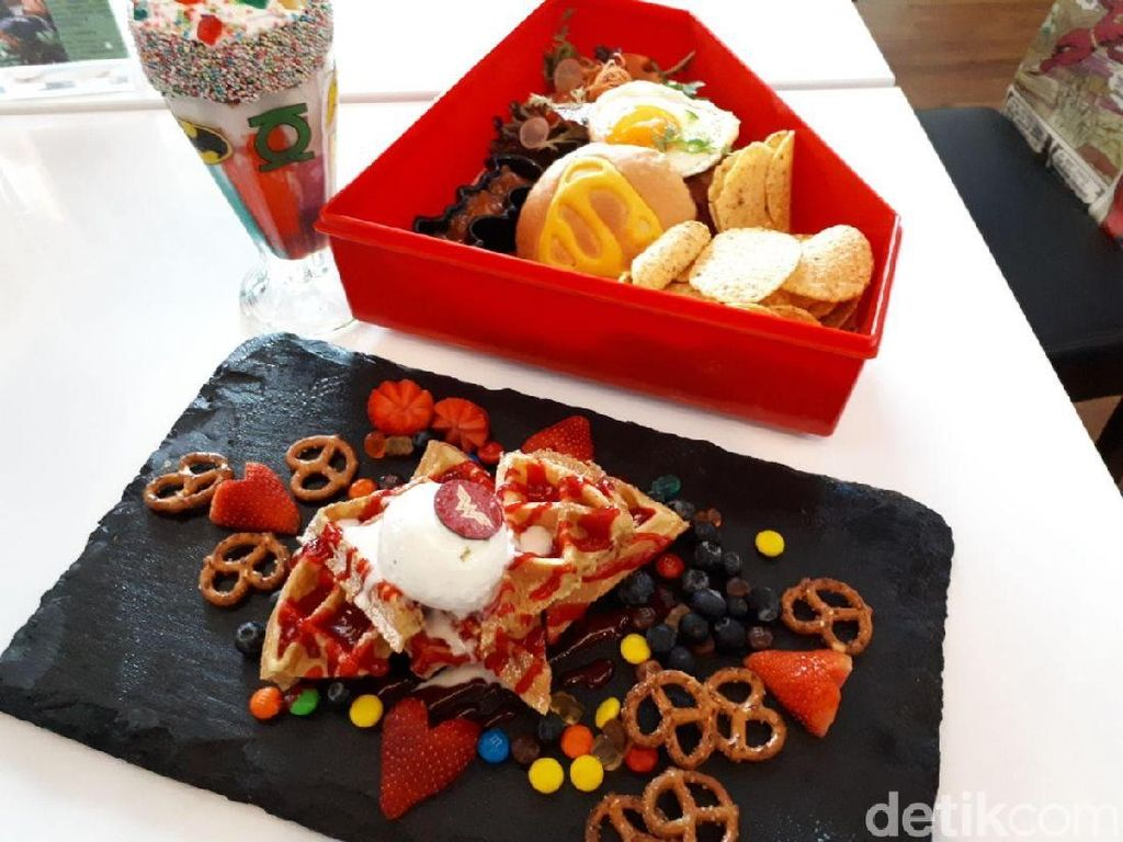 DC Comics Superheroes Cafe: Yummy! Burger Superman dan Milkshake Joker di Kafe Instagramable