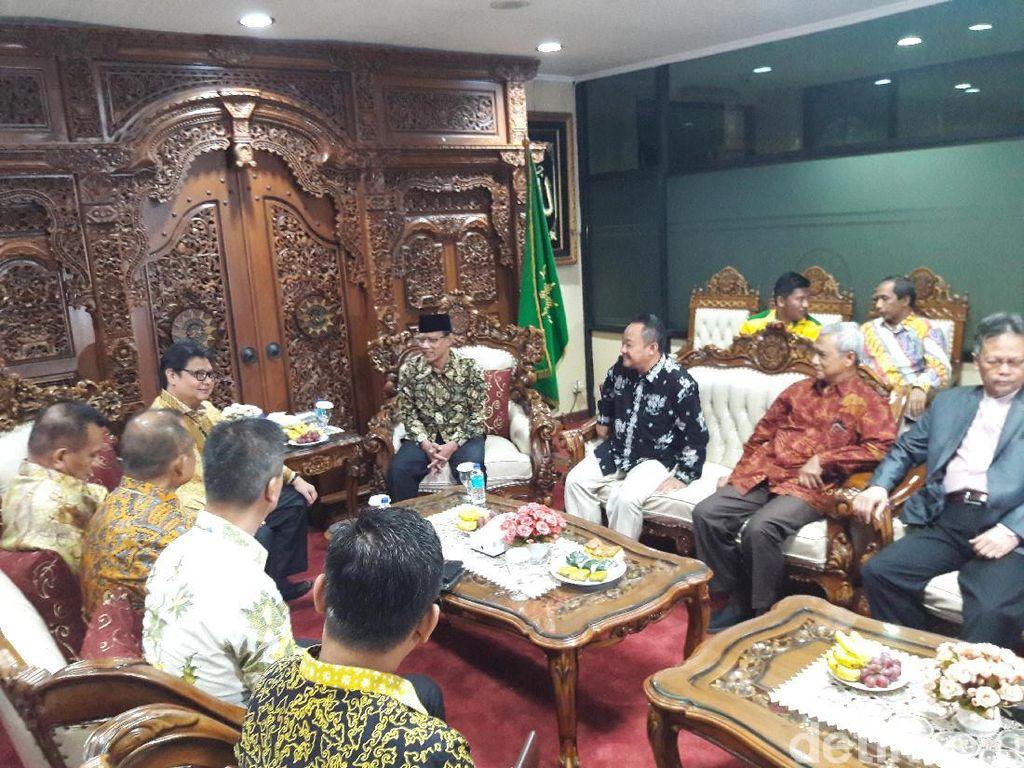 Ketum Golkar Sambangi PP Muhammadiyah, Bahas Apa?