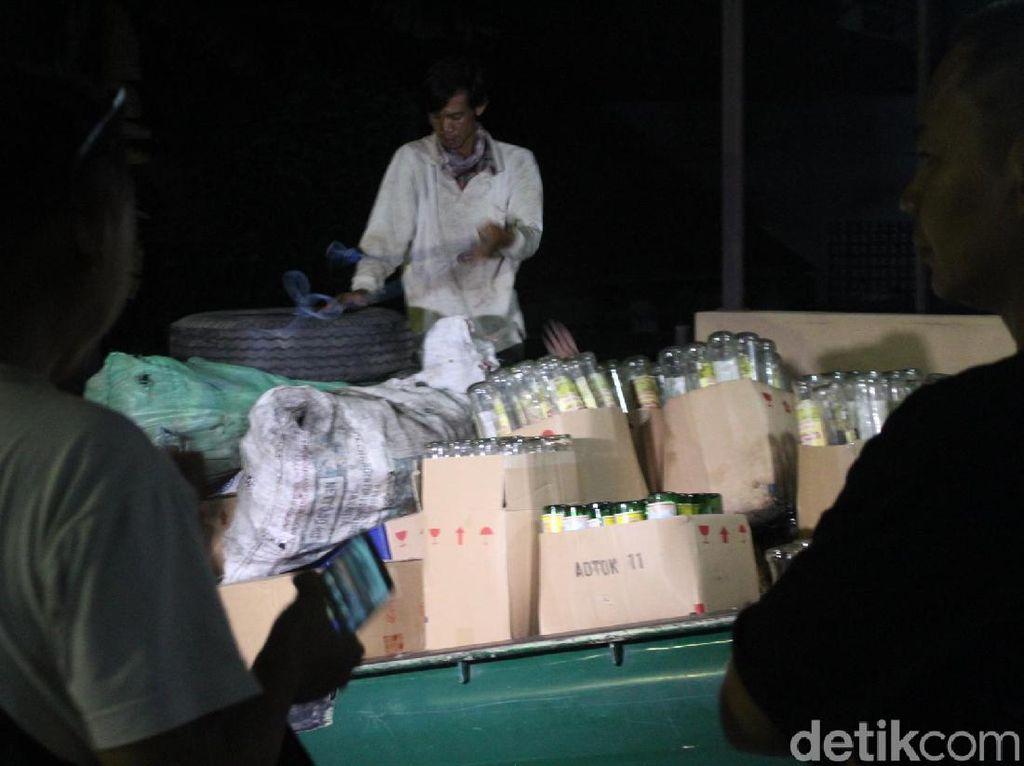 Gerebek Rumah di Garut, Polisi Sita 667 Botol Miras