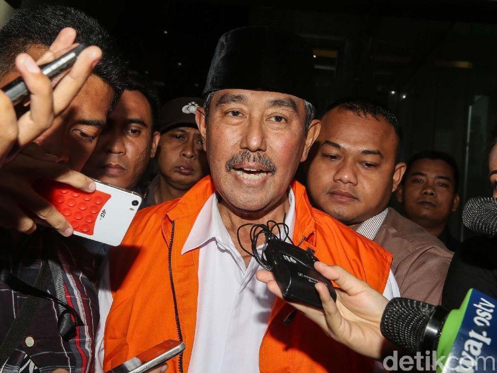KPK Beri Bupati Bandung Barat Abu Bakar Rompi Oranye