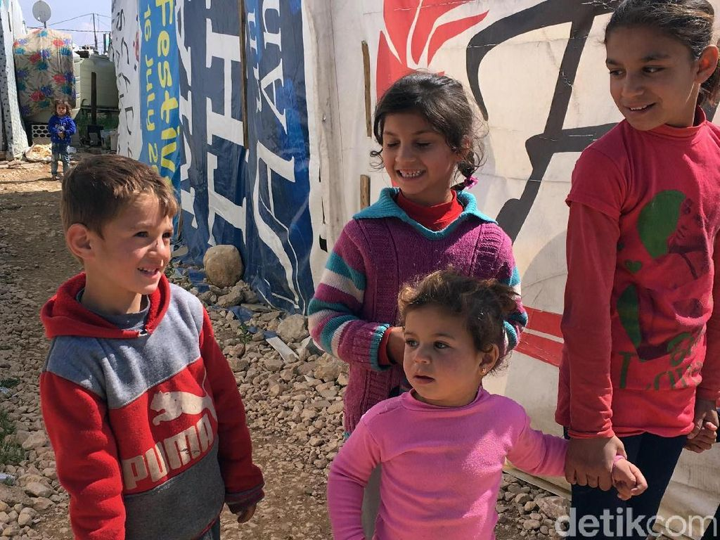 Ekspresi Kebahagiaan Anak-anak Pengungsi Suriah